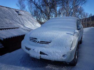 一晩で凍りついた愛車